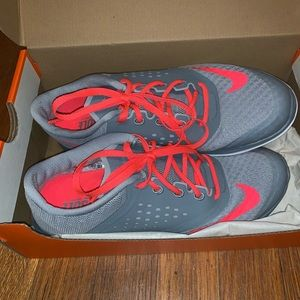 Women's Gray and Pink Fs Lite Run 2 Shoe size 6.5